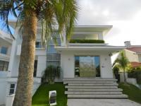 Casa em Venda em Jurerê Internacional Florianópolis