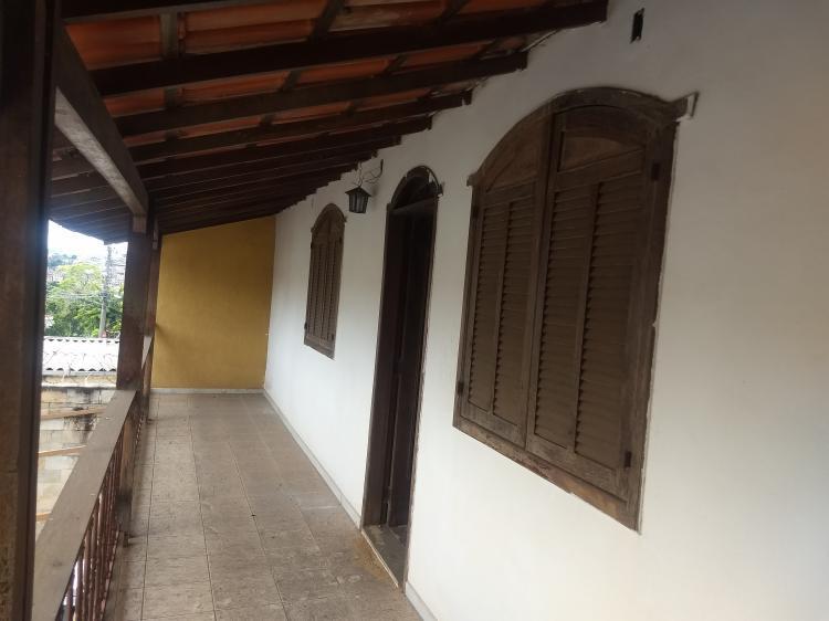 Casa de 07 quartos no Bairro Pomp�ia em Belo Horizonte - Minas Gerais